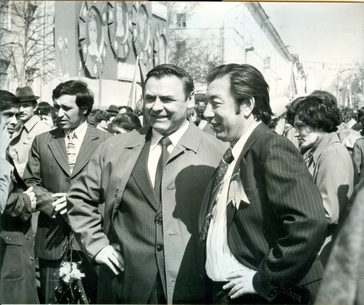 А.С. Сысцов на демонстрации (в центре снимка). 1 мая 1979 г. Город Ульяновск. Из семейного фотоархива П.П. Герасимчука.