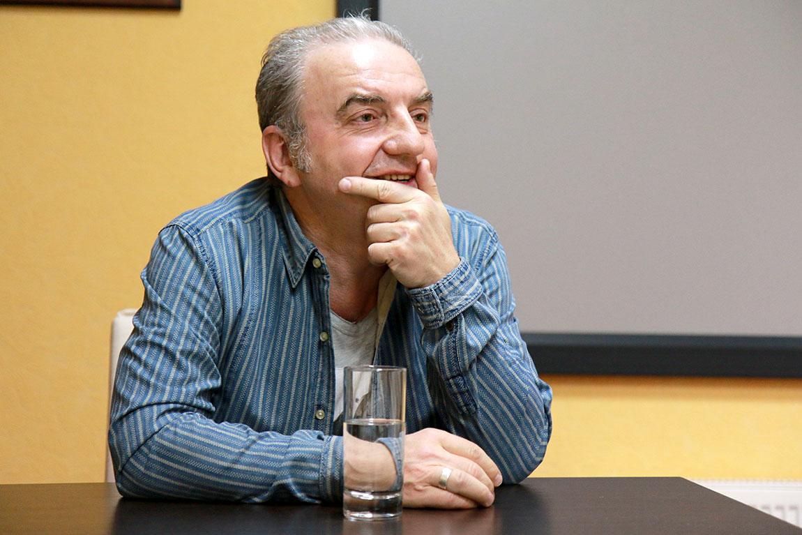 Владимир Шахрин