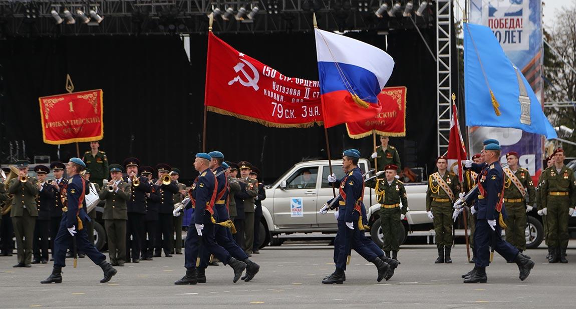 Любовь Чиликова: Фоторепортаж парада на площади Ленина в честь 70-летия Победы в Великой Отечественной войне