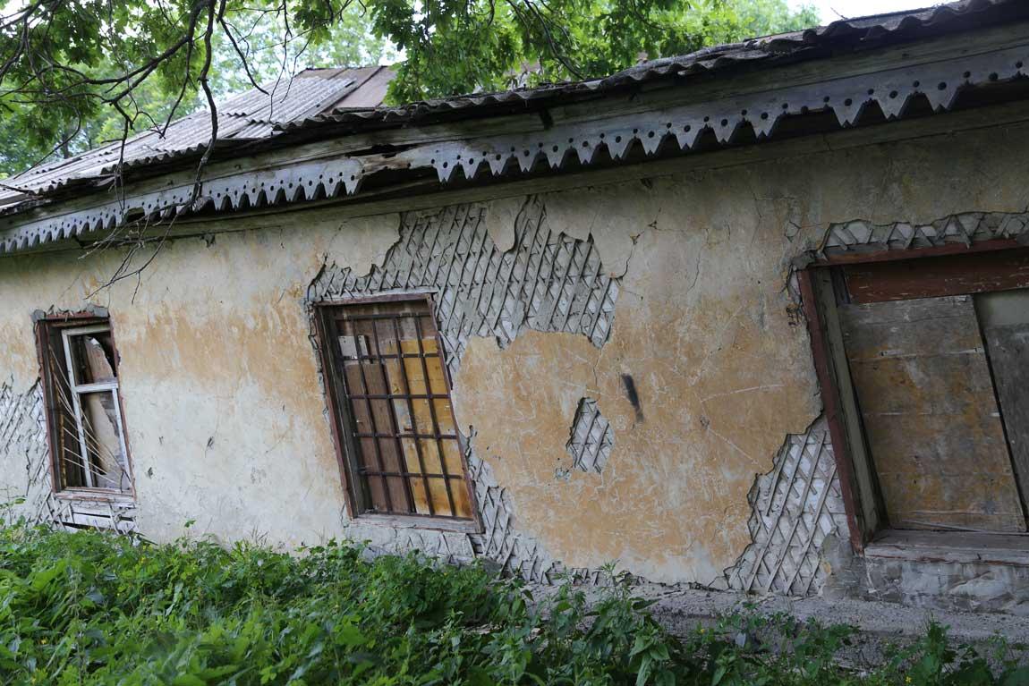 Стены старых казарм