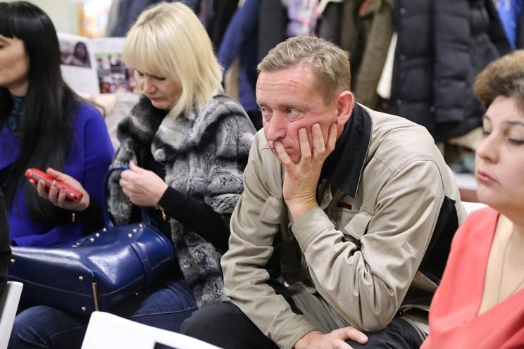 Константин Долинин, бывший уполномоченный по правам ребенка Ульяновской области, а ныне сотрудник промышленного предприятия Мартур, воспитывает четырех дочерей.