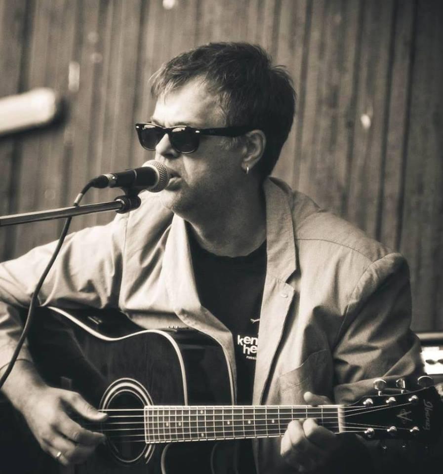 Михаил Павлов выступит с концертом в Coffee-Blues