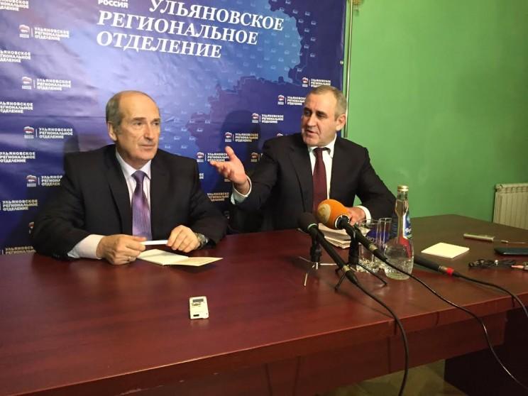 Виктор Корнева (слева) и Сергей Неверов (справа)