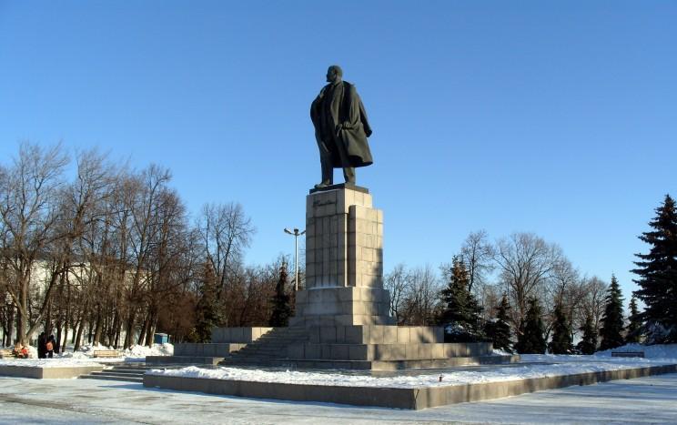 Памятник Владимиру Ленину в Ульяновске