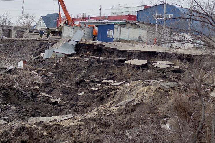 Фото оползня, Кременицкий, 7 апреля 2016-16