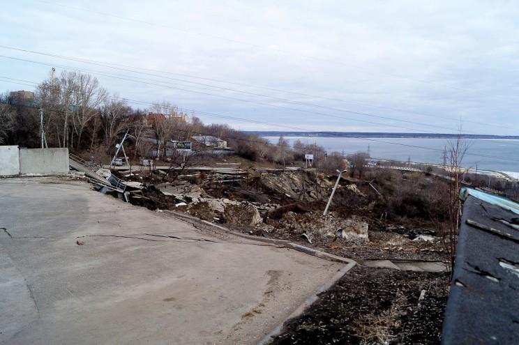 Фото оползня, Кременицкий, 7 апреля 2016-7
