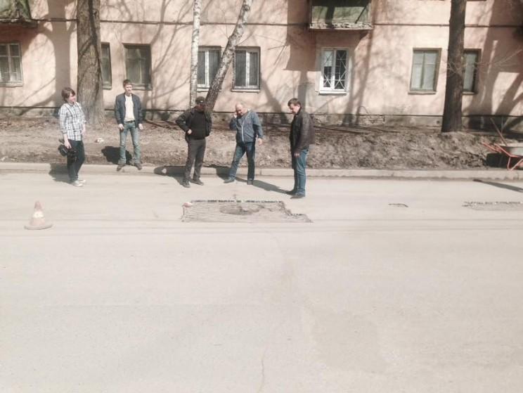 Гаев осматривает ремонт дорог 7
