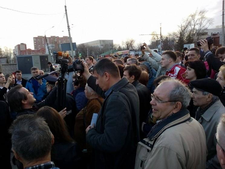 сход граждан против строительства Пионер парка 11 апреля 2016 -10