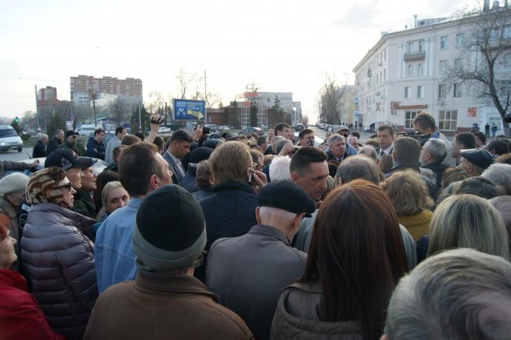 участники протеста 11 апреля 2016 года