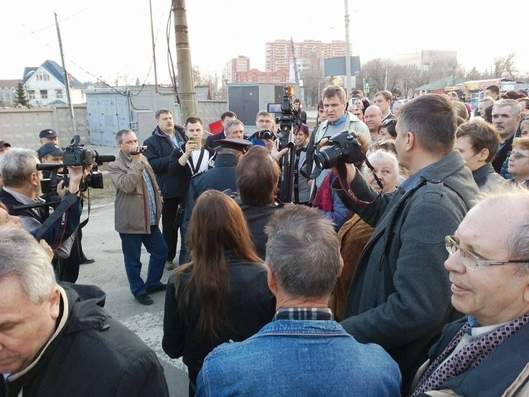 сход граждан против строительства Пионер парка 11 апреля 2016 -9