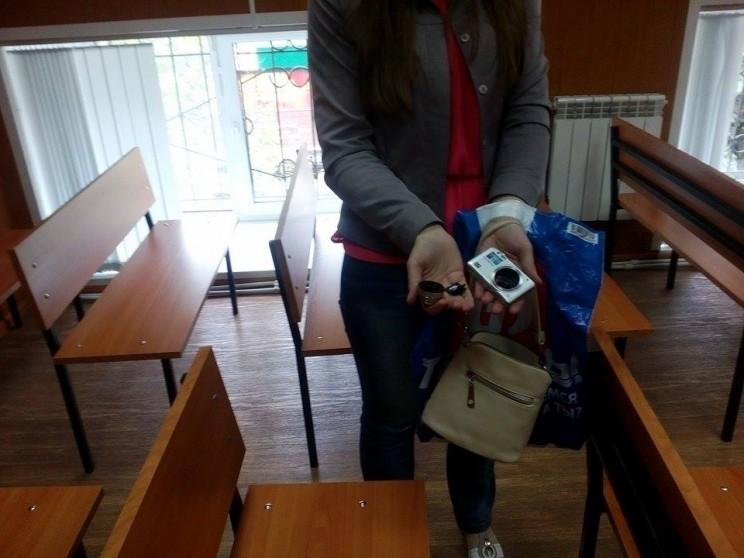 Камера журналиста, которую сломала Марина Зиннурова-2