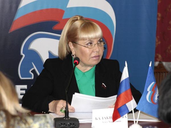 На вице-спикера Алсу Балакишиеву завели уголовное дело, но она об этом ничего не знала