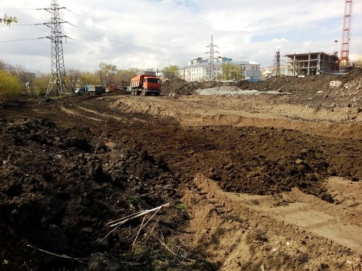 """Стройка """"Пионер парка"""" продолжается, несмотря на требование властей и жителей Ульяновска приостановке"""
