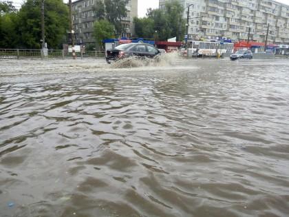 Море на улице Пушкарева