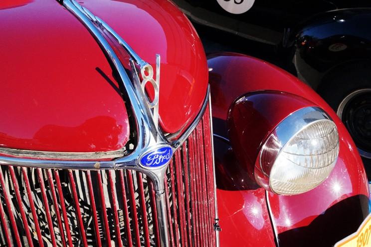 Ford V8: у автомобилей тех лет каждая линия была изящной
