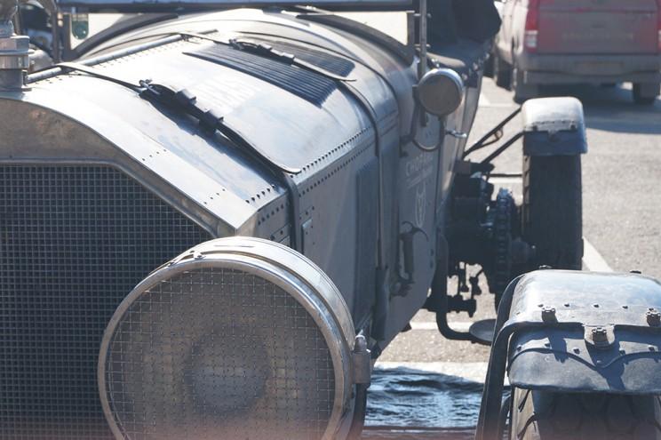 AMERICAN LA FRANCE - автомобиль весом 3500 кг, 6-литровым мотором со 140 л.с.