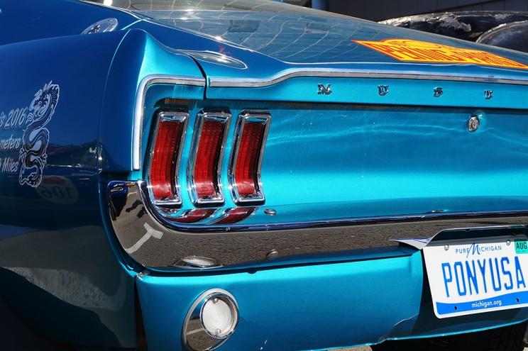 Красавец Mustang