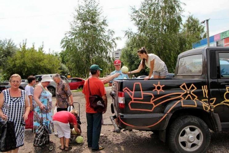 Благотворительная акция. Семья Чепухиных раздает овощи жителям Ульяновска