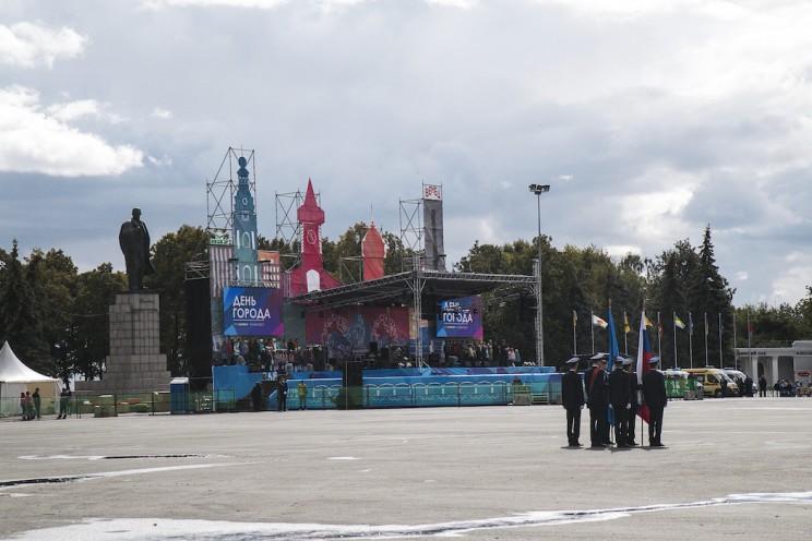 День города в Ульяновске: балет, дискотека и холодный дождь 4