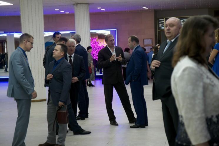 Дмитрий Рябов (в центре) и Сергей Маринин (крайний справа)