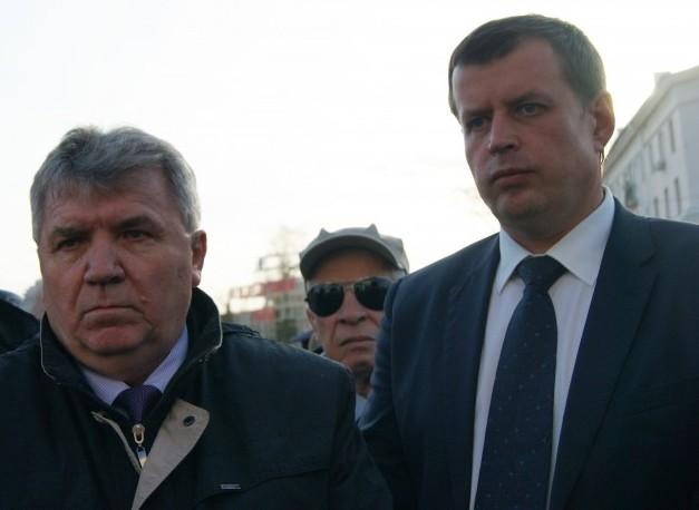 Мэр Ульяновска Сергей Панчин (слева) и глава администрации Ульяновска Алексей Гаев (справа).