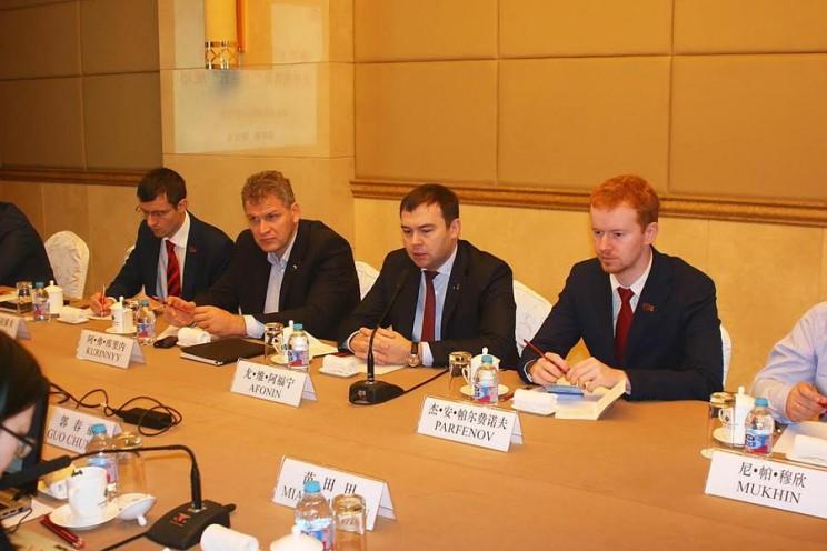 Алексей Куринный в составе делегации партийных работников КПРФ во время визита в Китае, ноябрь 2016