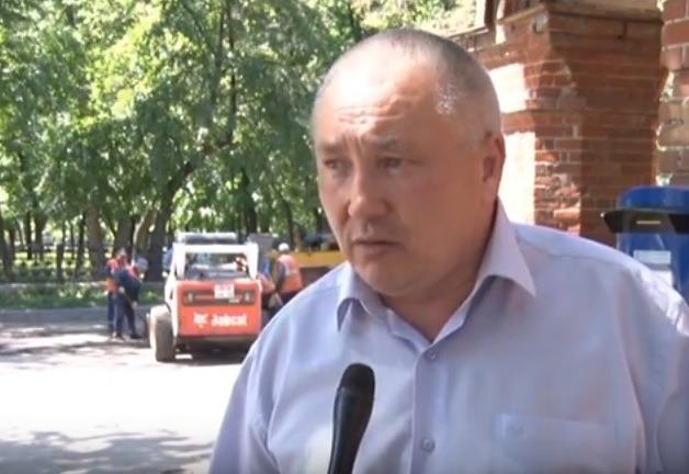 """Директор МБУ """"Дорремстрой"""" Владимир Чумуркин."""