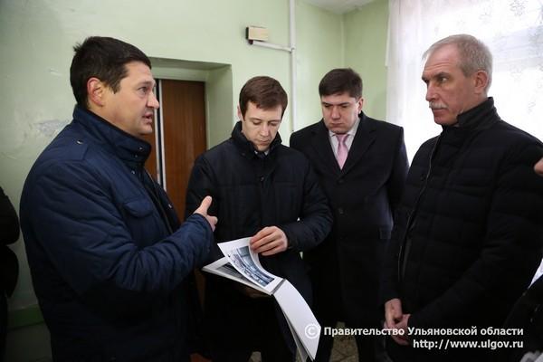 Слева направо: депутат Заксобрания Ростислав Эдварс, депутат Заксобрания Андрей Толмачев, министр здравоохранения Ульяновской области Павел Дегтярь, губернатор Сергей Морозов.