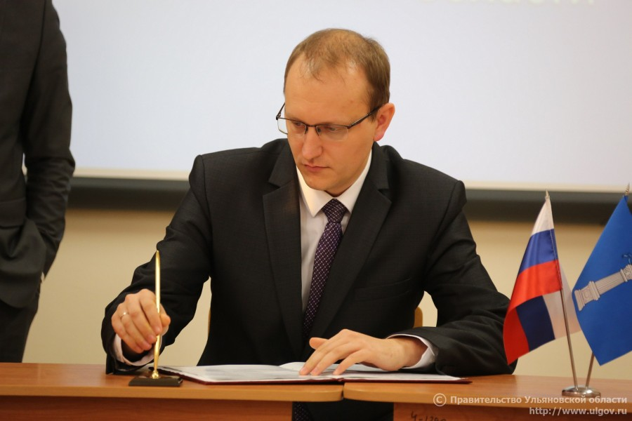 Министр ЖКХ Ульяновской области Дмитрий Вавилин опять пренебрег правами сирот