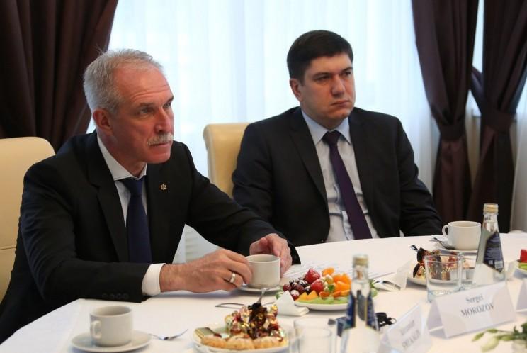 Губернатор Ульяновской области Сергей Морозов (слева) и региональный министр здравоохранения Павел Дегтярь (справа).