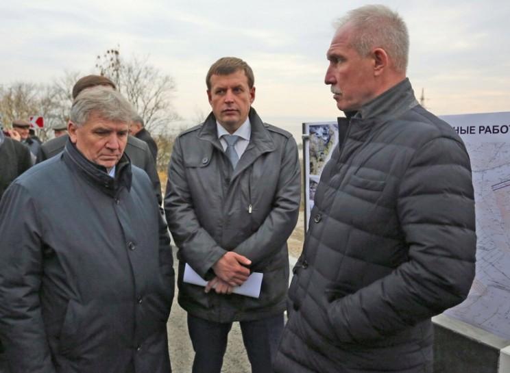 Слева направо: мэр Ульяновска Сергей Панчин, глава администрации Ульяновска Алексей Гаев, губернатор Ульяновской области Сергей Морозов.