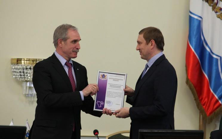 Губернатор Ульяновской области Сергей Морозов (слева) и бизнесмен Дмитрия Рябов (справа)