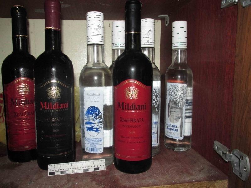 Гаражная экономика: на проспекте Антонова в Новом городе поймали машину с подпольным алкоголем