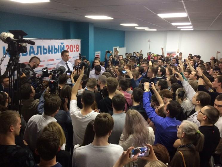 Алексей Навальный в Ульяновске: открытие предвыборного штаба  34