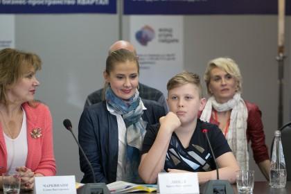 Ирина Линдт и ее сын Иван Золотухин