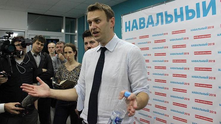 Алексей Навальный в Ульяновске во время пресс-конференции после открытия штаба.
