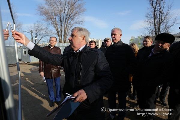 Губернатор Сергей Морозов посетил место будущего строительства дошкольной организации в микрорайоне комплексной жилой застройки «Волжские кварталы», март 2017 года.