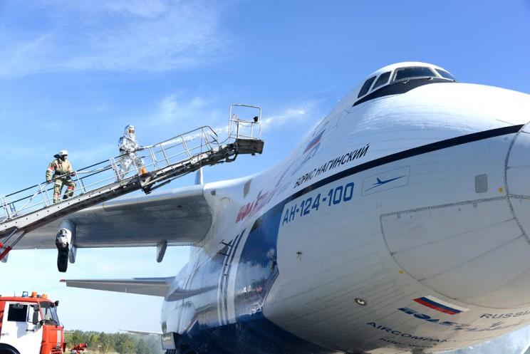 В аэропорту «Ульяновск-Восточный» прошли крупномасштабные поисковые и аварийно-спасательные учения 1