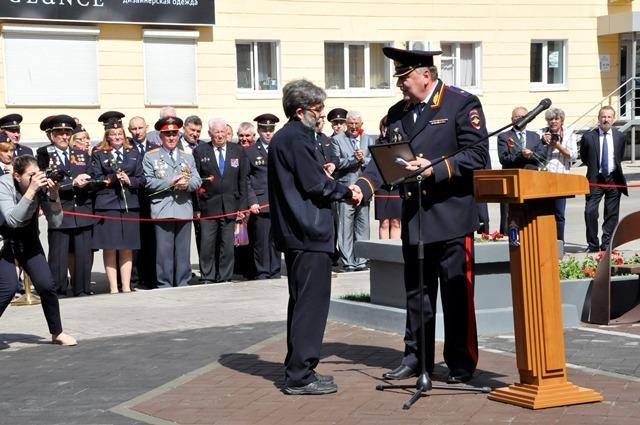 В центре Ульяновска открыли мемориальный комплекс «На страже правопорядка» 3