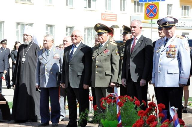 В центре Ульяновска открыли мемориальный комплекс «На страже правопорядка» 4