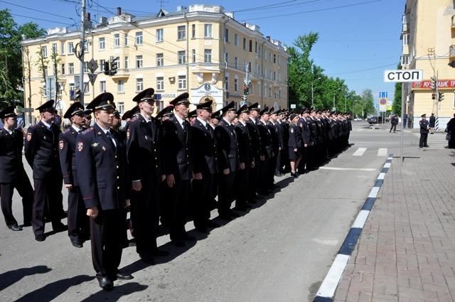 В центре Ульяновска открыли мемориальный комплекс «На страже правопорядка» 6