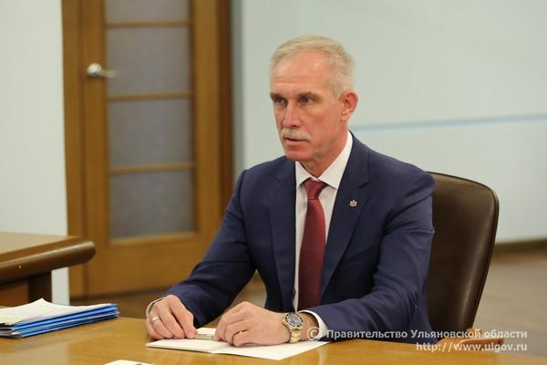 7 июня Дмитрий Медведев провел встречу с Губернатором Сергеем Морозовым на территории АО «Авиастар-СП» - 3