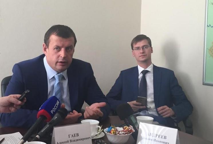 Глава администрации Ульяновска Алексей Гаев (слева) и первый зам.главы администрации Ульяновска Вадим Андреев.