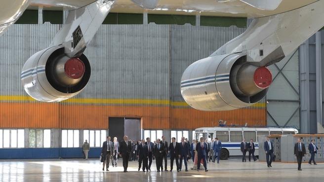 Дмитрий Медведев провел в Ульяновске совещание о поддержке авиационной промышленности России - 1