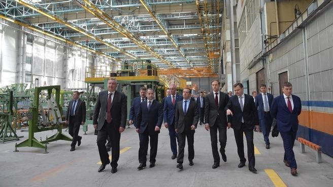Дмитрий Медведев провел в Ульяновске совещание о поддержке авиационной промышленности России - 2