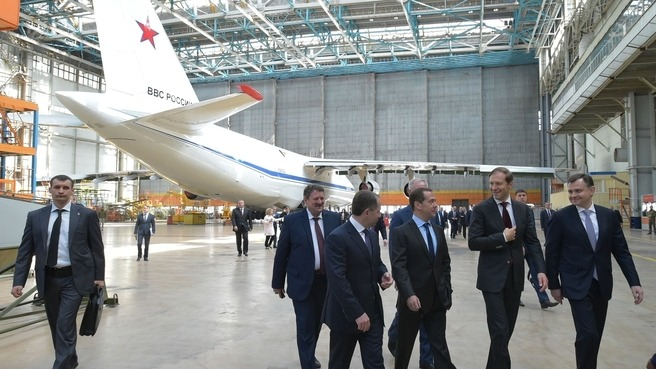 Дмитрий Медведев провел в Ульяновске совещание о поддержке авиационной промышленности России - 3