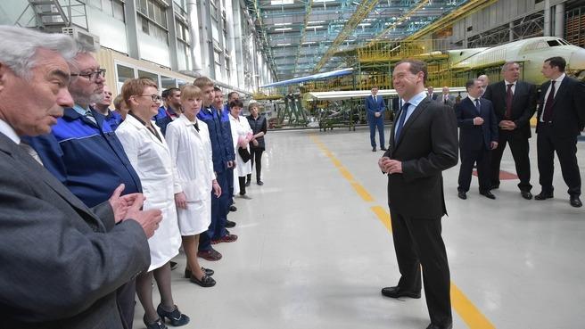 Дмитрий Медведев провел в Ульяновске совещание о поддержке авиационной промышленности России - 4