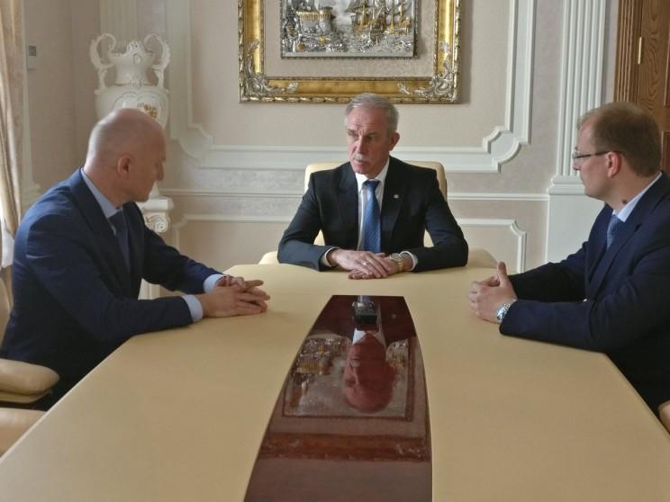 Слева направо: Шарпудин Хаутиев, Сергей Морозов, Александр Смекалин.