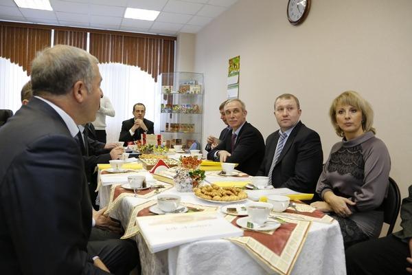 Сергей Морозов посещает фабрику Глобус, 2014 - 3