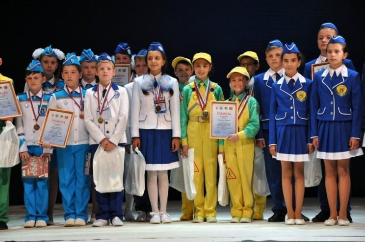 В Ульяновске состоялась торжественная церемония закрытия и награждения победителей всероссийского конкурса юных инспекторов движения «Безопасное колесо» - 2